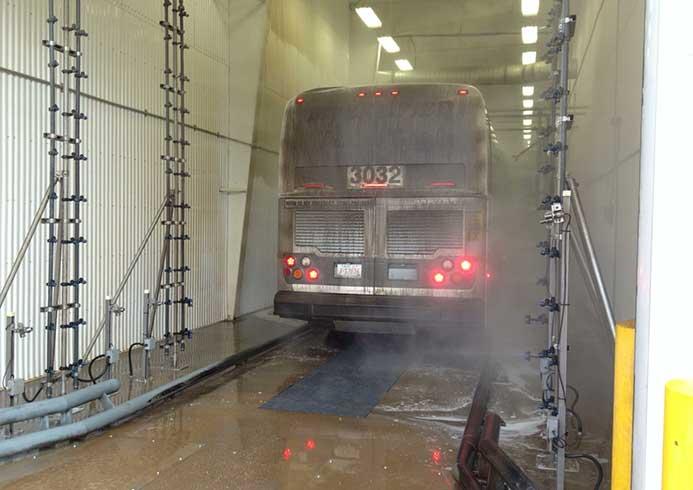 Vaskeanlægger til busser fra NoviClean