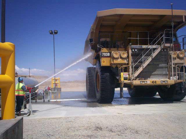 Manual vask af specialkøretøj - NoviClean